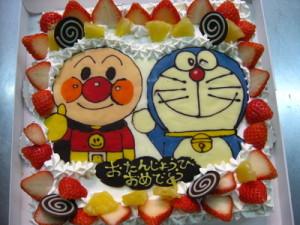 ドラえもんのキャラクターケーキ